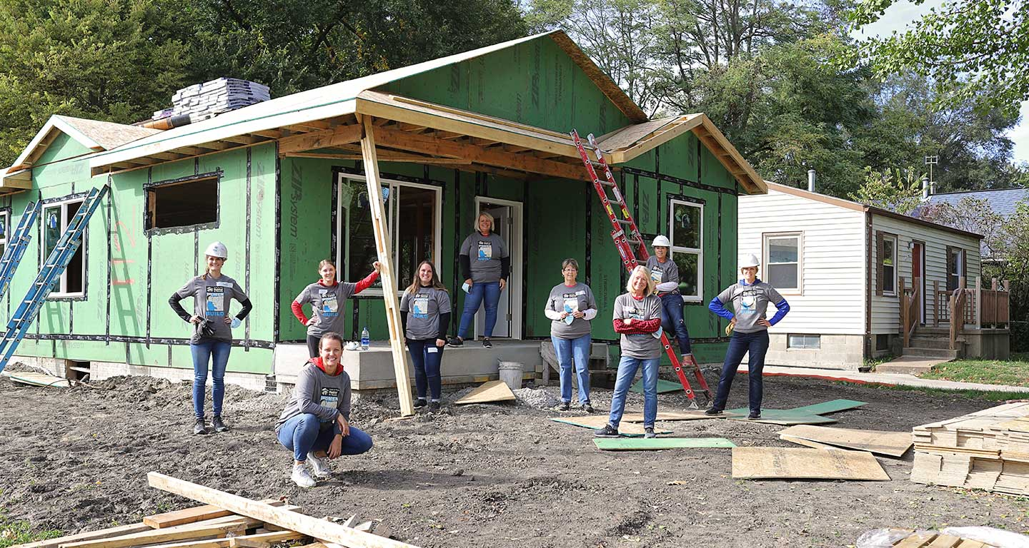 MidAmerican employees volunteer for Habitat for Humanity