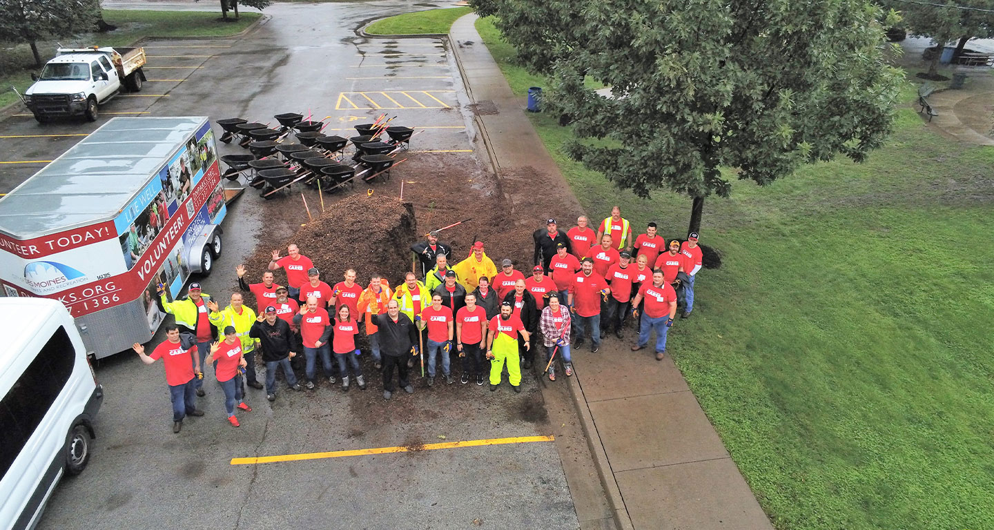 MidAmerican employees volunteer at local park in 2019